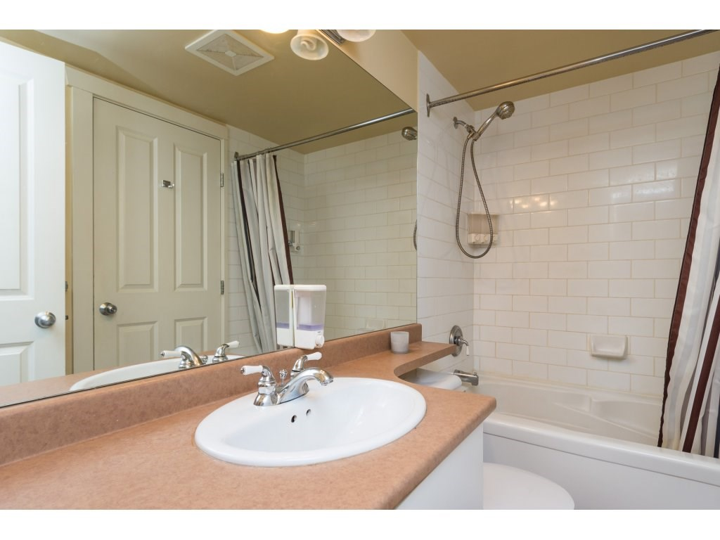 Condo Apartment at 314 18 SMOKEY SMITH PLACE, Unit 314, New Westminster, British Columbia. Image 14