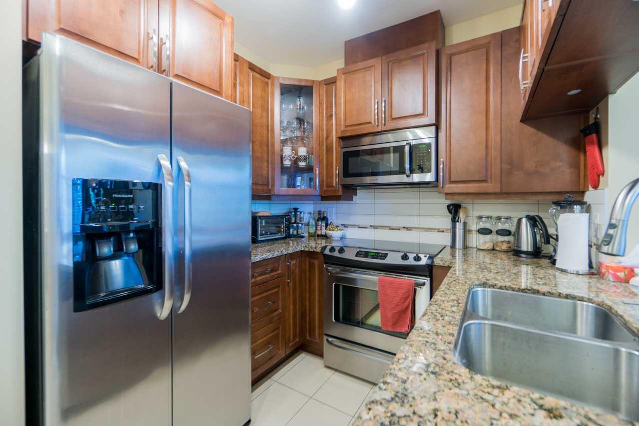 Condo Apartment at 404 12525 190A STREET, Unit 404, Pitt Meadows, British Columbia. Image 3