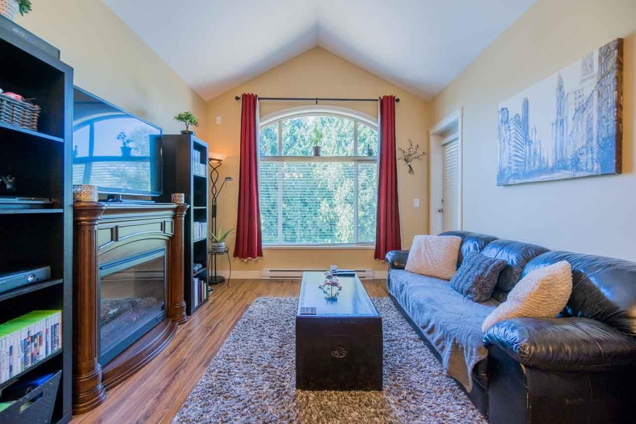 Condo Apartment at 404 12525 190A STREET, Unit 404, Pitt Meadows, British Columbia. Image 7