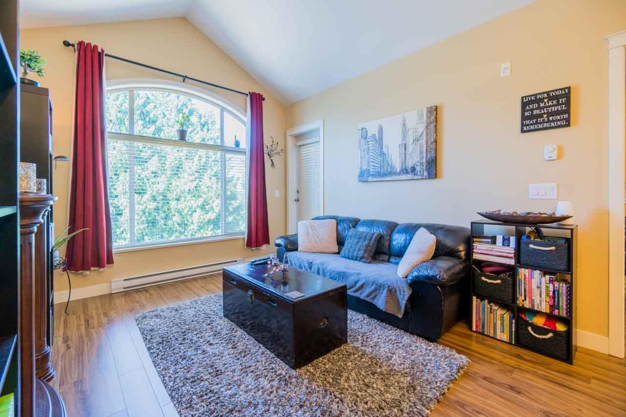Condo Apartment at 404 12525 190A STREET, Unit 404, Pitt Meadows, British Columbia. Image 8