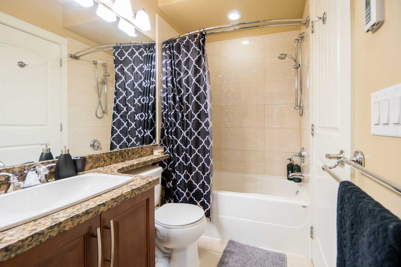 Condo Apartment at 404 12525 190A STREET, Unit 404, Pitt Meadows, British Columbia. Image 13