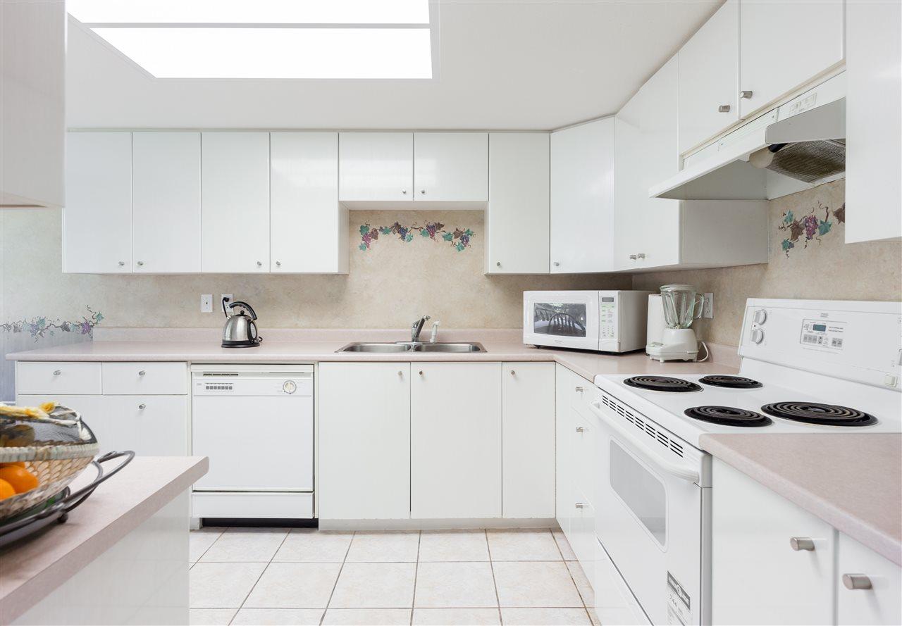 Condo Apartment at 202 1196 PIPELINE ROAD, Unit 202, Coquitlam, British Columbia. Image 6