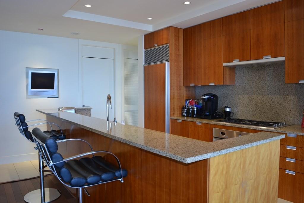 Condo Apartment at 2304 1077 W CORDOVA STREET, Unit 2304, Vancouver West, British Columbia. Image 2