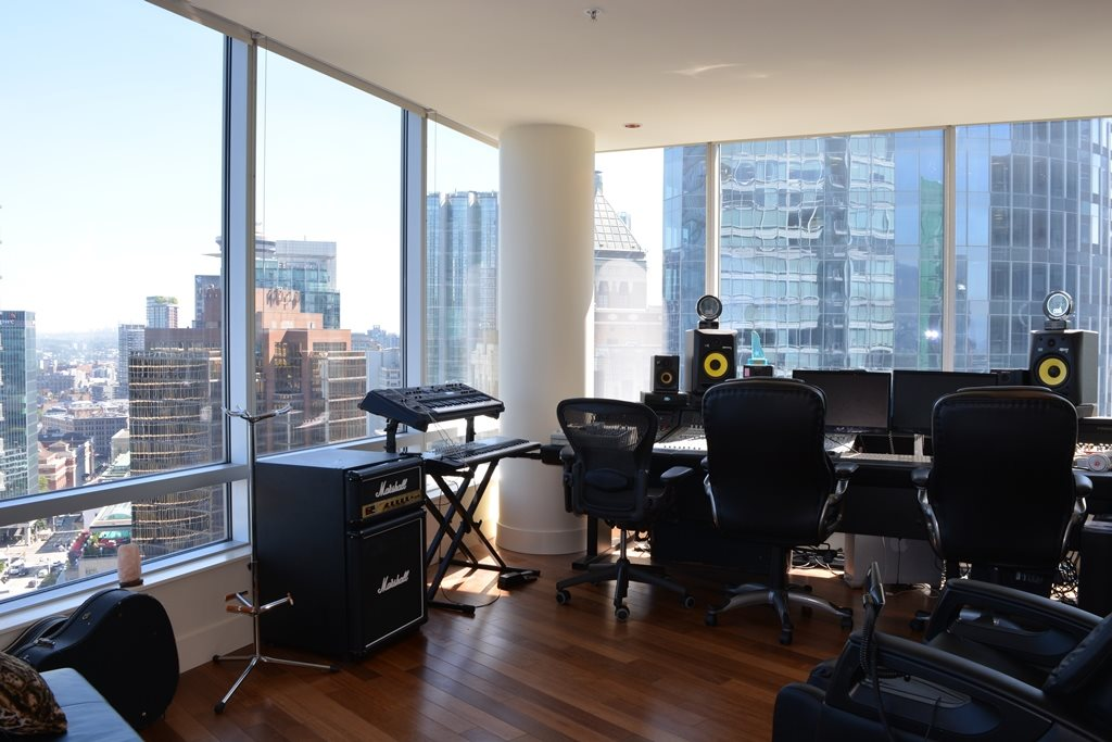 Condo Apartment at 2304 1077 W CORDOVA STREET, Unit 2304, Vancouver West, British Columbia. Image 5