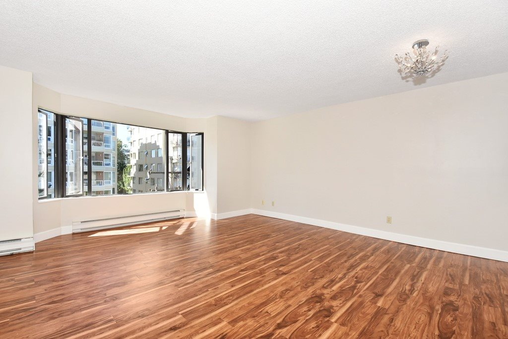 Condo Apartment at 605 1950 ROBSON STREET, Unit 605, Vancouver West, British Columbia. Image 3