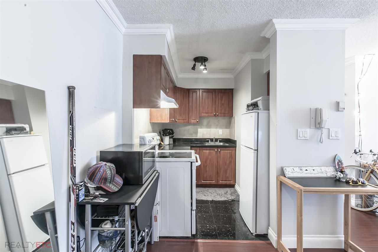 Condo Apartment at 14 430 E 8TH AVENUE, Unit 14, Vancouver East, British Columbia. Image 3