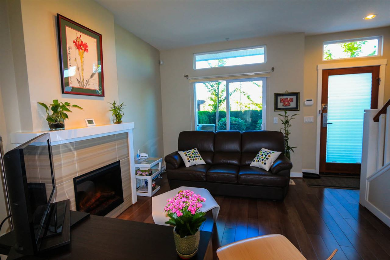 Townhouse at 23 3788 LAUREL STREET, Unit 23, Burnaby South, British Columbia. Image 4