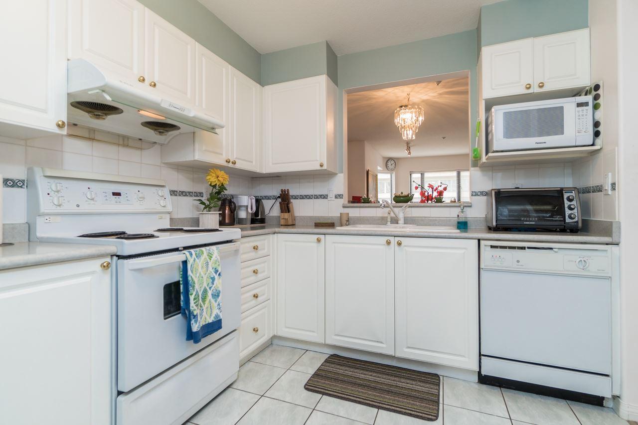 Condo Apartment at 208 15241 18 AVENUE, Unit 208, South Surrey White Rock, British Columbia. Image 7