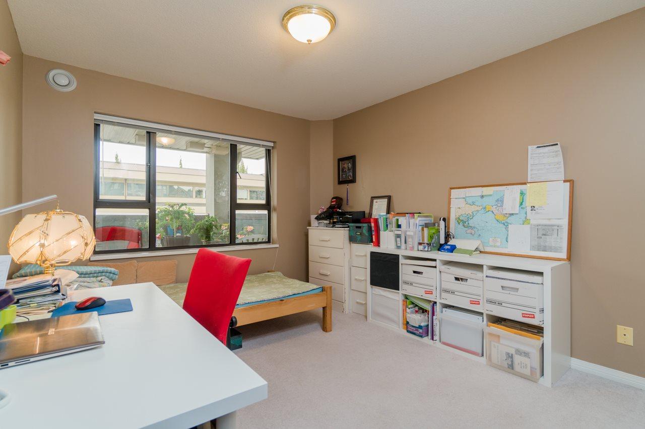 Condo Apartment at 208 15241 18 AVENUE, Unit 208, South Surrey White Rock, British Columbia. Image 11