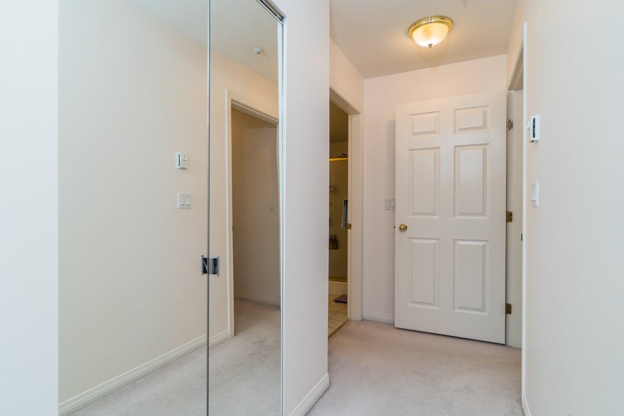 Condo Apartment at 208 15241 18 AVENUE, Unit 208, South Surrey White Rock, British Columbia. Image 13