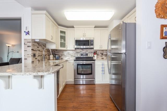 Condo Apartment at 509 15111 RUSSELL AVENUE, Unit 509, South Surrey White Rock, British Columbia. Image 12