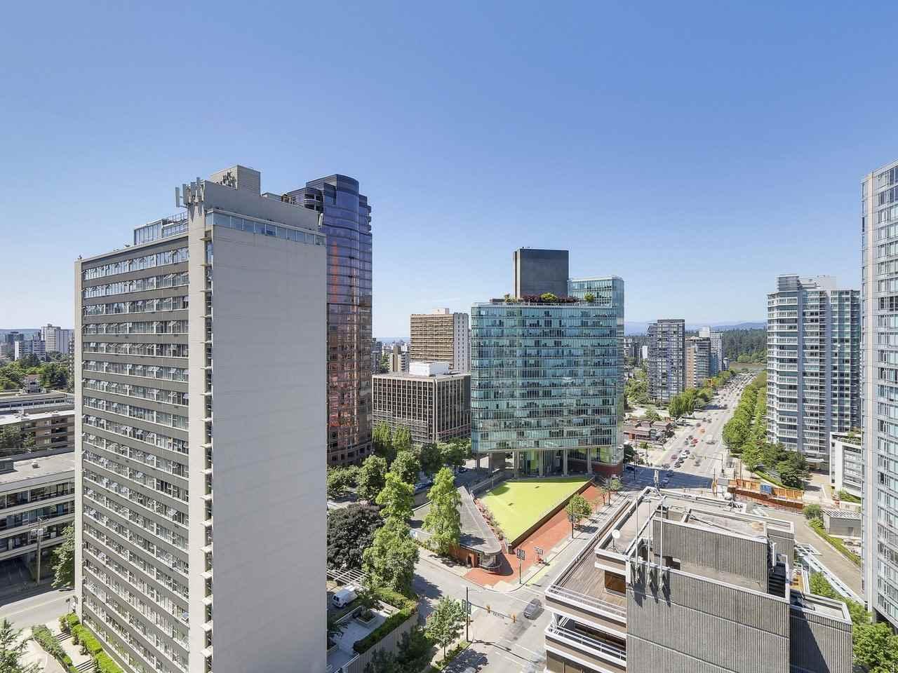 Condo Apartment at 1501 1415 W GEORGIA STREET, Unit 1501, Vancouver West, British Columbia. Image 17