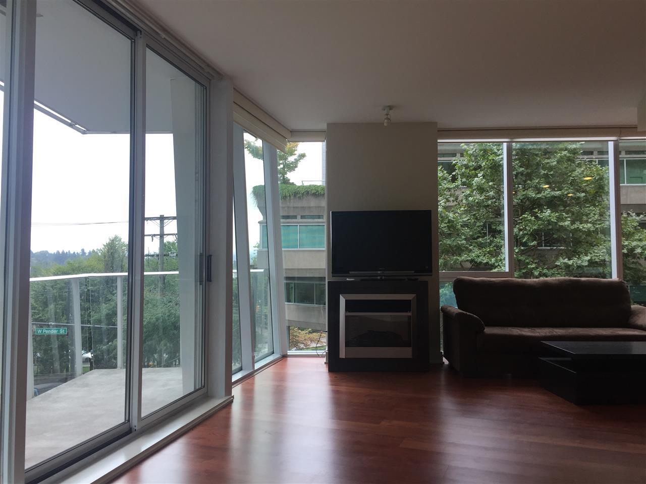 Condo Apartment at 301 1277 MELVILLE STREET, Unit 301, Vancouver West, British Columbia. Image 8