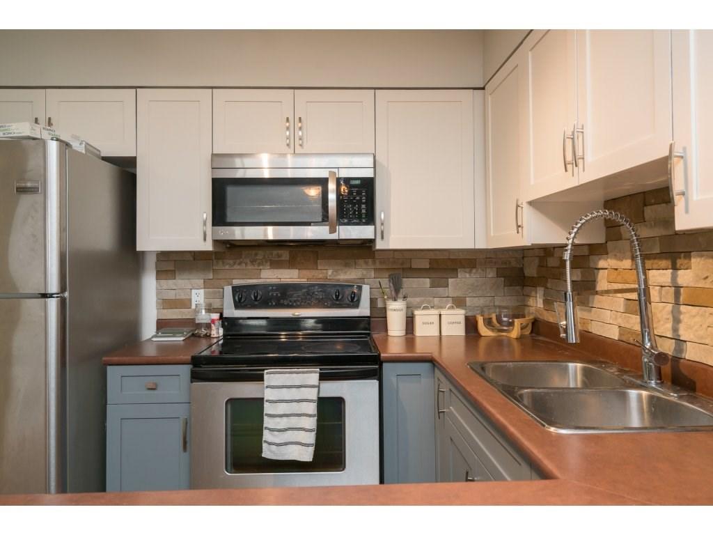 Condo Apartment at 317 33960 OLD YALE ROAD, Unit 317, Abbotsford, British Columbia. Image 7
