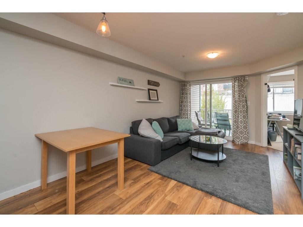 Condo Apartment at 317 33960 OLD YALE ROAD, Unit 317, Abbotsford, British Columbia. Image 8