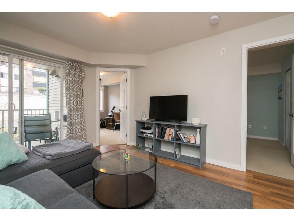 Condo Apartment at 317 33960 OLD YALE ROAD, Unit 317, Abbotsford, British Columbia. Image 10
