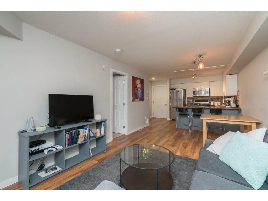 Condo Apartment at 317 33960 OLD YALE ROAD, Unit 317, Abbotsford, British Columbia. Image 12