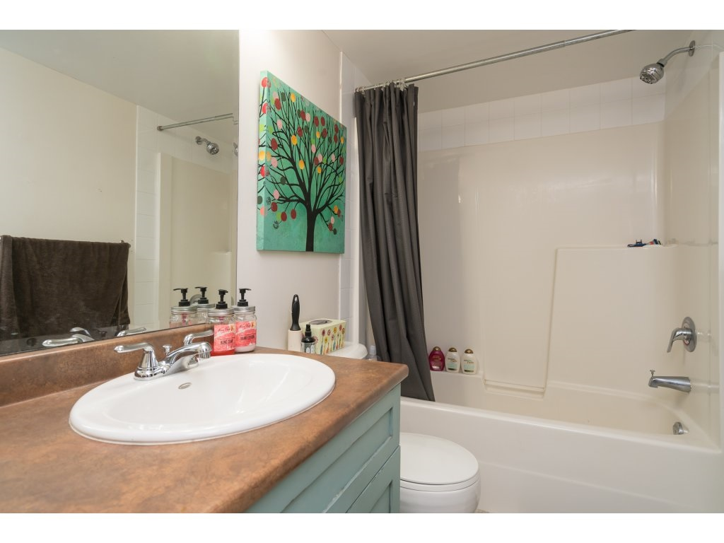 Condo Apartment at 317 33960 OLD YALE ROAD, Unit 317, Abbotsford, British Columbia. Image 15