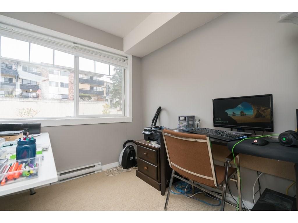 Condo Apartment at 317 33960 OLD YALE ROAD, Unit 317, Abbotsford, British Columbia. Image 16