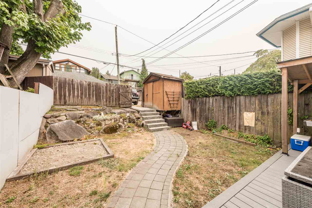 Half-duplex at 458 E 1ST STREET, North Vancouver, British Columbia. Image 19
