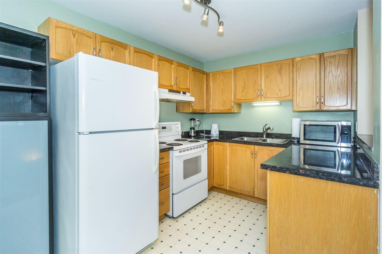 Condo Apartment at 302 2964 TRETHEWEY STREET, Unit 302, Abbotsford, British Columbia. Image 11