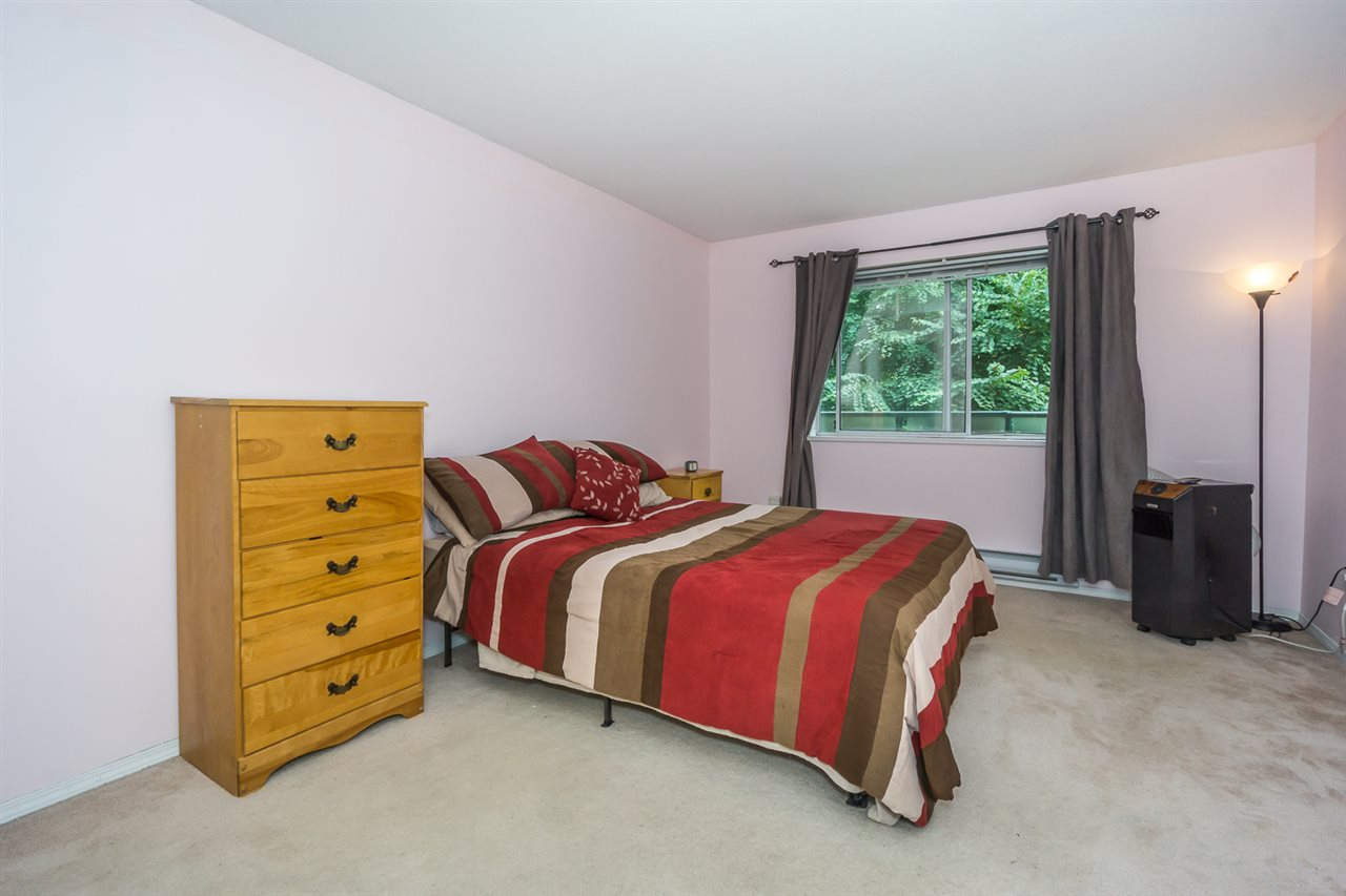 Condo Apartment at 302 2964 TRETHEWEY STREET, Unit 302, Abbotsford, British Columbia. Image 18