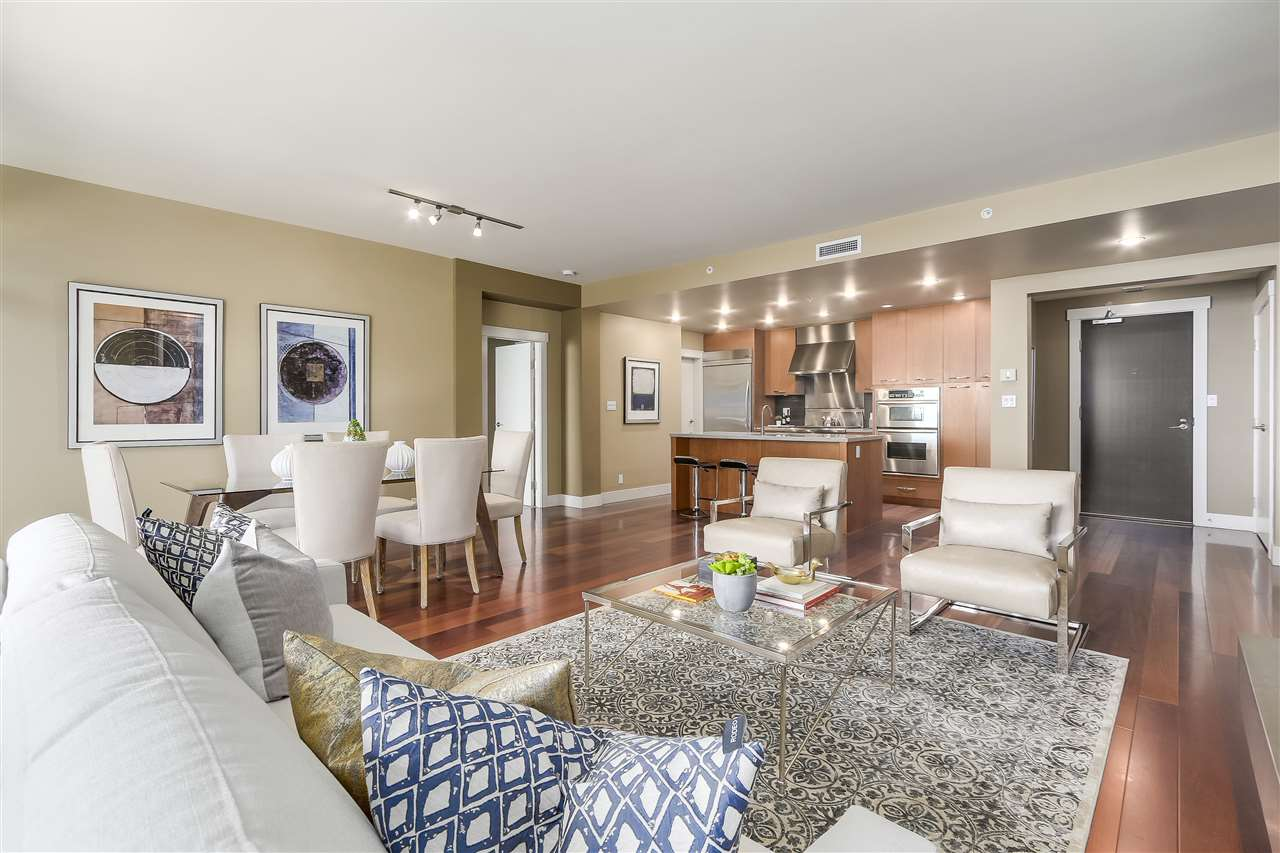 Condo Apartment at 402 3335 CYPRESS PLACE, Unit 402, West Vancouver, British Columbia. Image 5