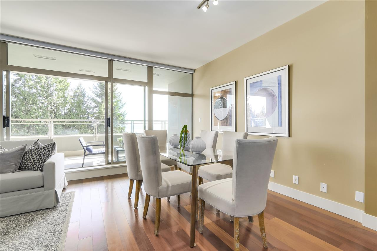 Condo Apartment at 402 3335 CYPRESS PLACE, Unit 402, West Vancouver, British Columbia. Image 6