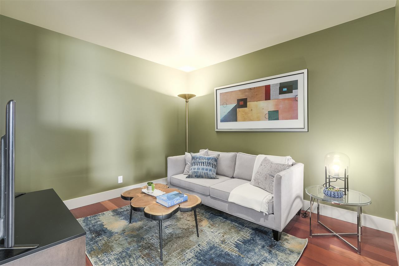 Condo Apartment at 402 3335 CYPRESS PLACE, Unit 402, West Vancouver, British Columbia. Image 10
