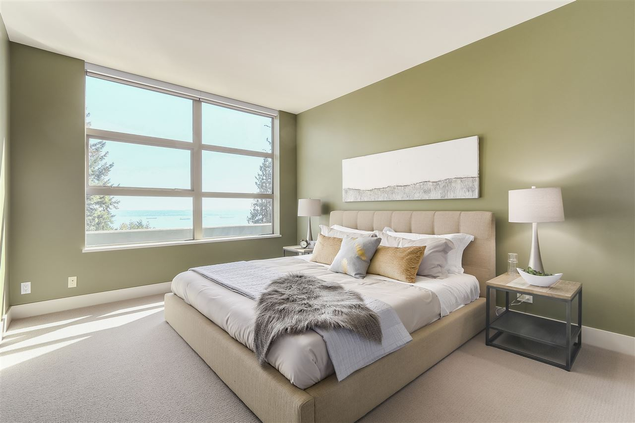 Condo Apartment at 402 3335 CYPRESS PLACE, Unit 402, West Vancouver, British Columbia. Image 11