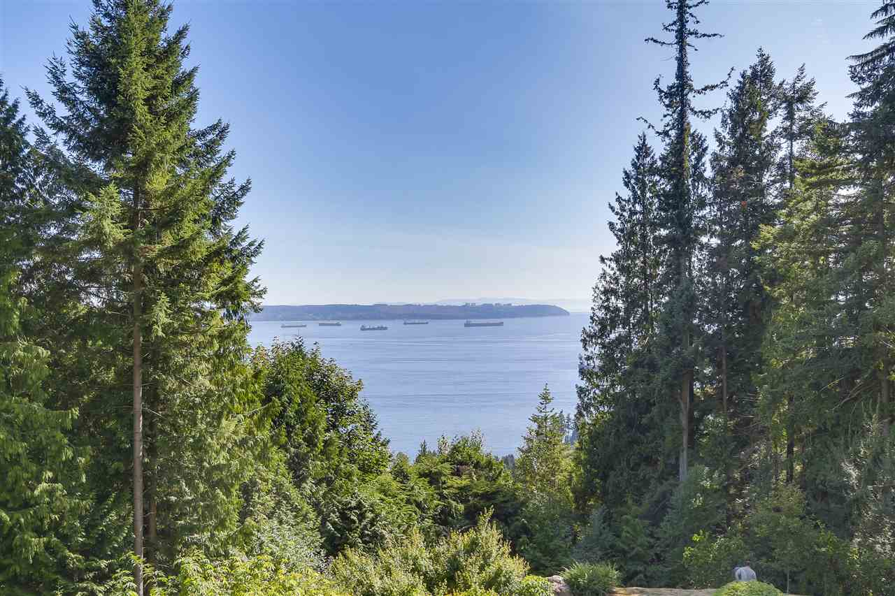 Condo Apartment at 402 3335 CYPRESS PLACE, Unit 402, West Vancouver, British Columbia. Image 15