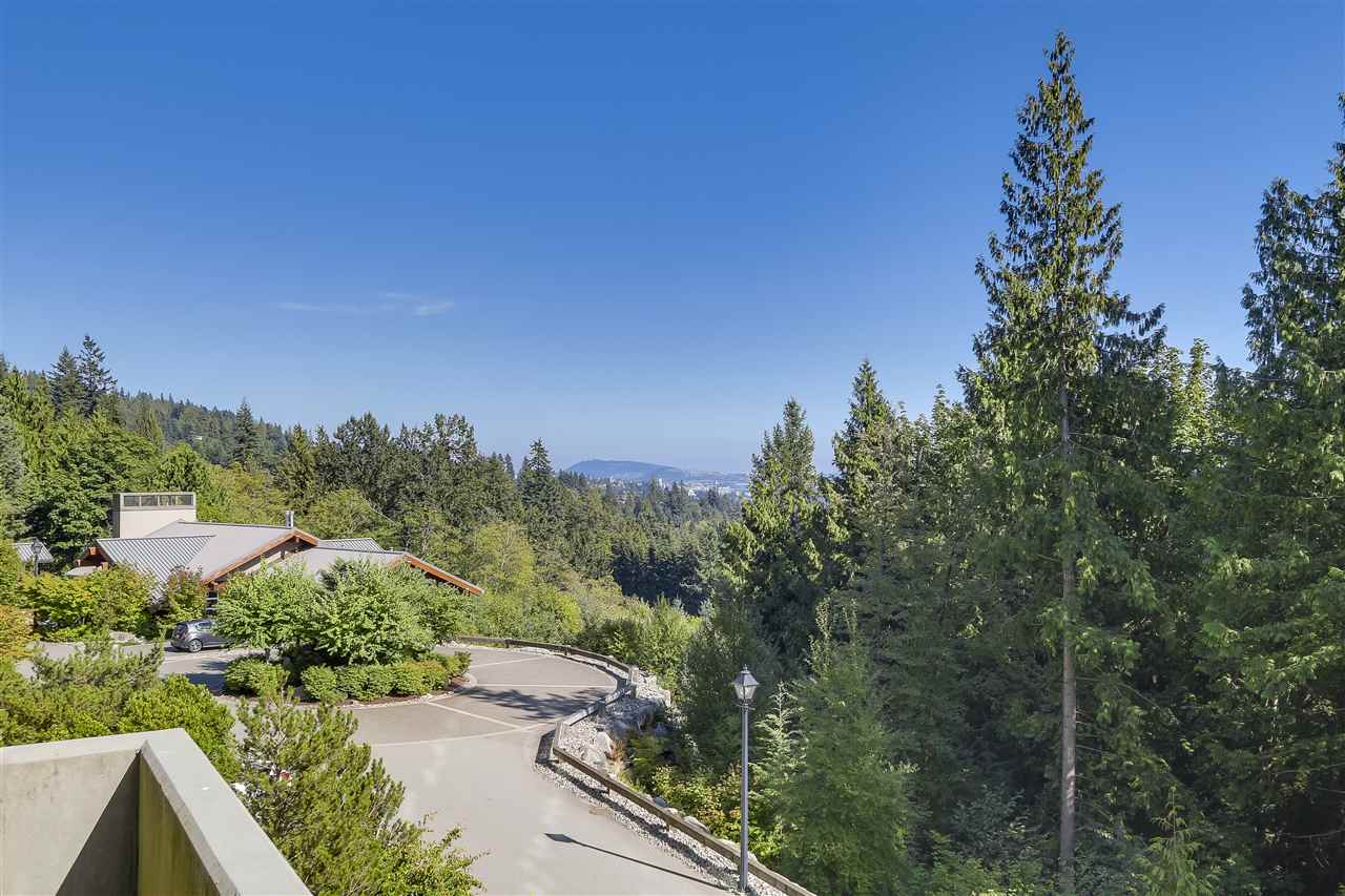 Condo Apartment at 402 3335 CYPRESS PLACE, Unit 402, West Vancouver, British Columbia. Image 16