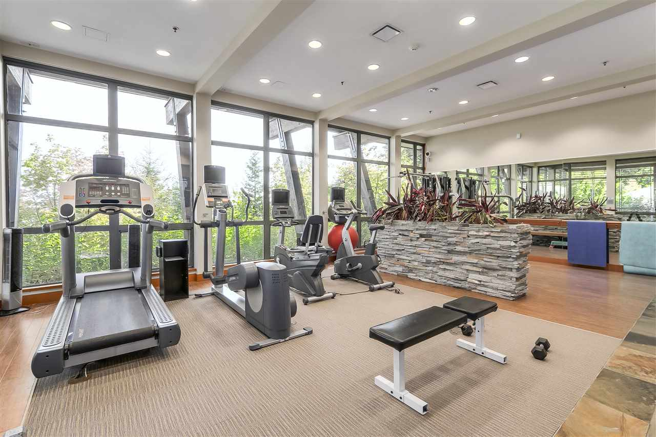 Condo Apartment at 402 3335 CYPRESS PLACE, Unit 402, West Vancouver, British Columbia. Image 18