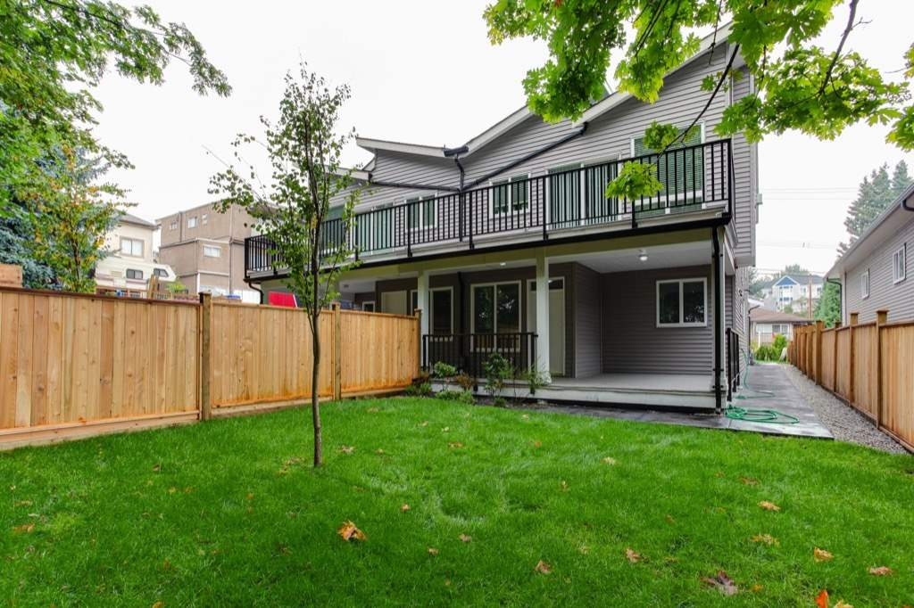 Half-duplex at 528 FOURTEENTH STREET, New Westminster, British Columbia. Image 13