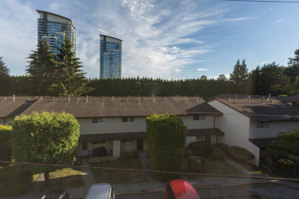 Townhouse at 5592 BROADWAY, Burnaby North, British Columbia. Image 13