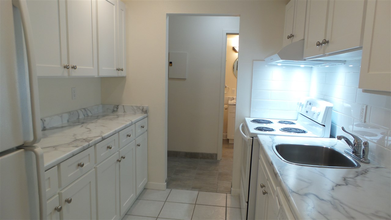 Condo Apartment at 212 3451 SPRINGFIELD DRIVE, Unit 212, Richmond, British Columbia. Image 4