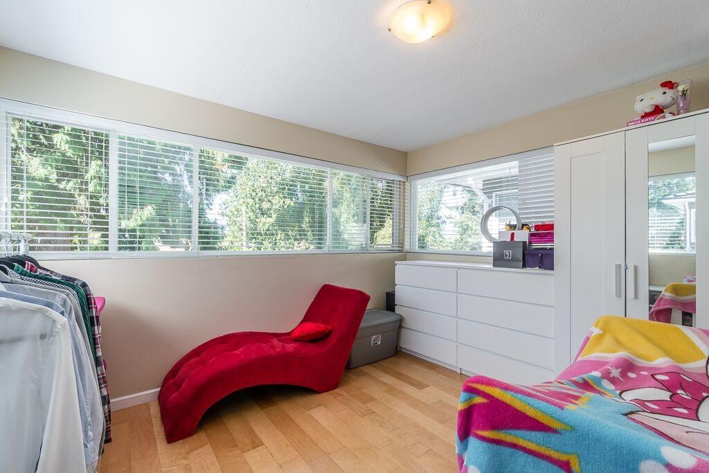 Half-duplex at 7645 ELWELL STREET, Burnaby South, British Columbia. Image 14