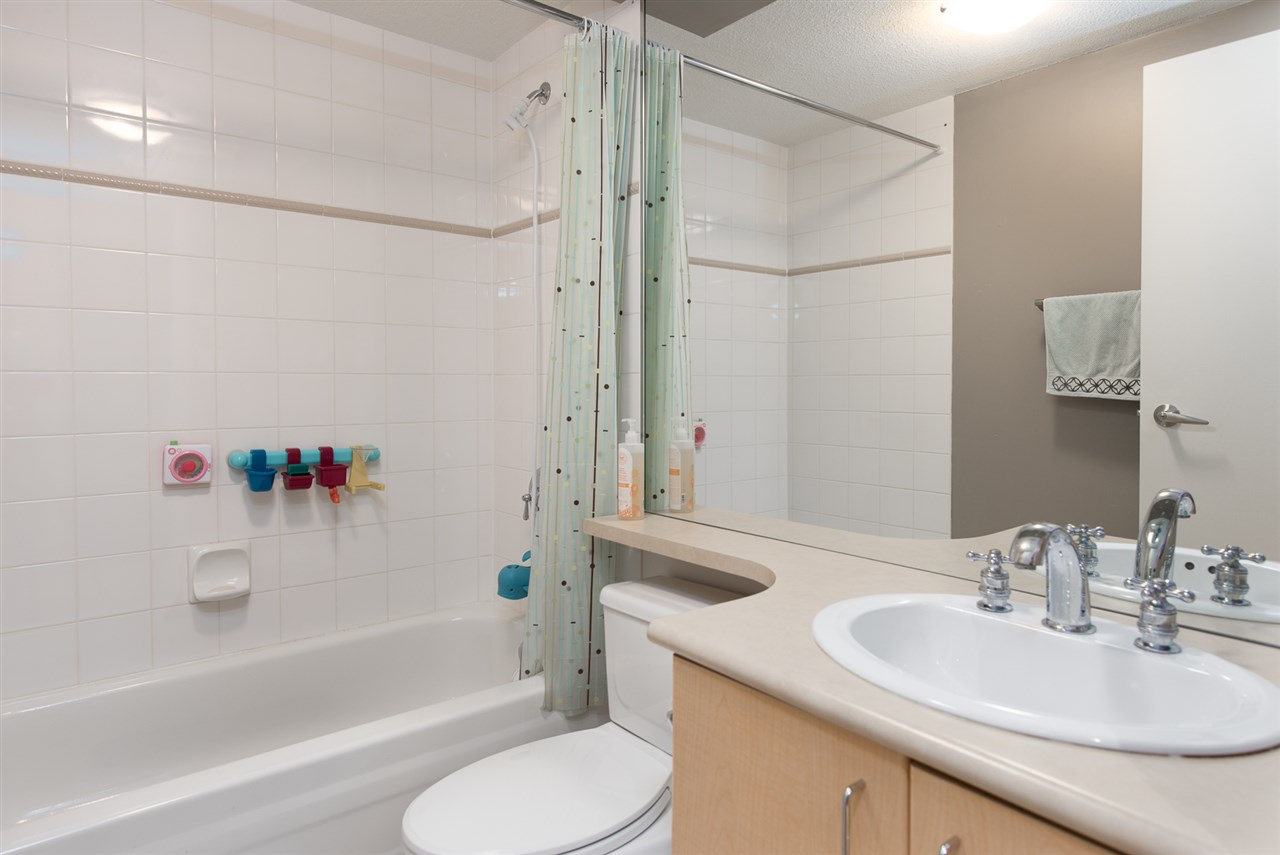 Condo Apartment at 328 2680 W 4TH AVENUE, Unit 328, Vancouver West, British Columbia. Image 10