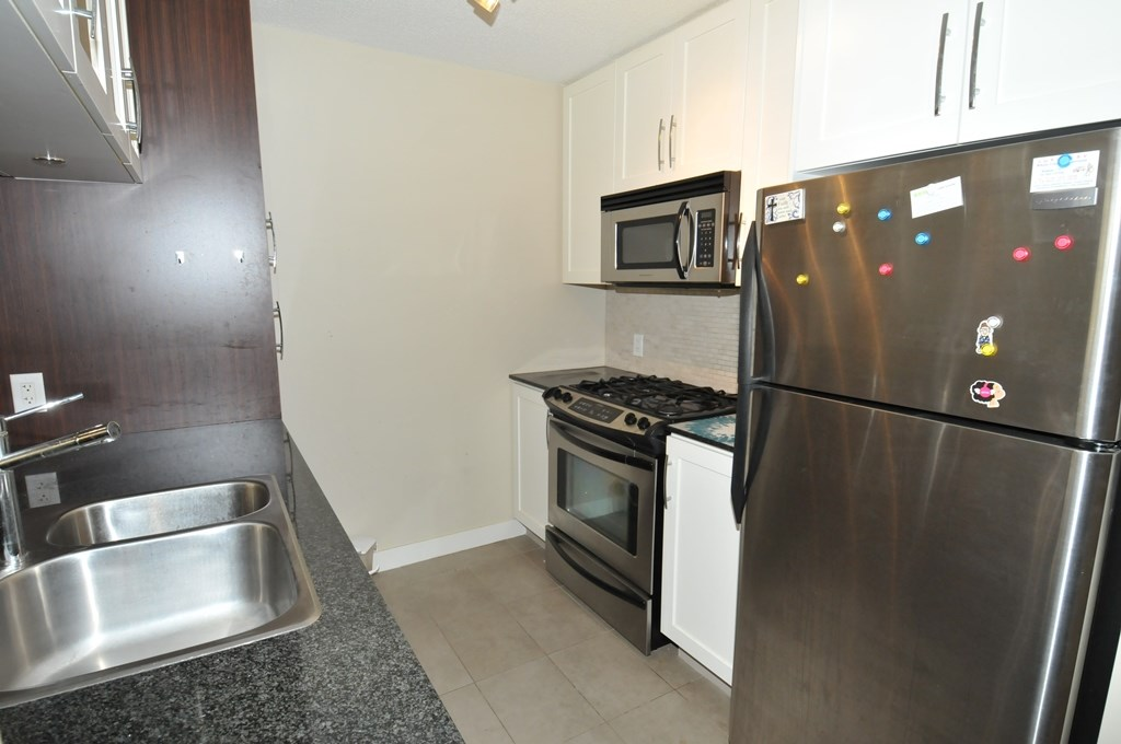 Condo Apartment at 1605 6351 BUSWELL STREET, Unit 1605, Richmond, British Columbia. Image 6