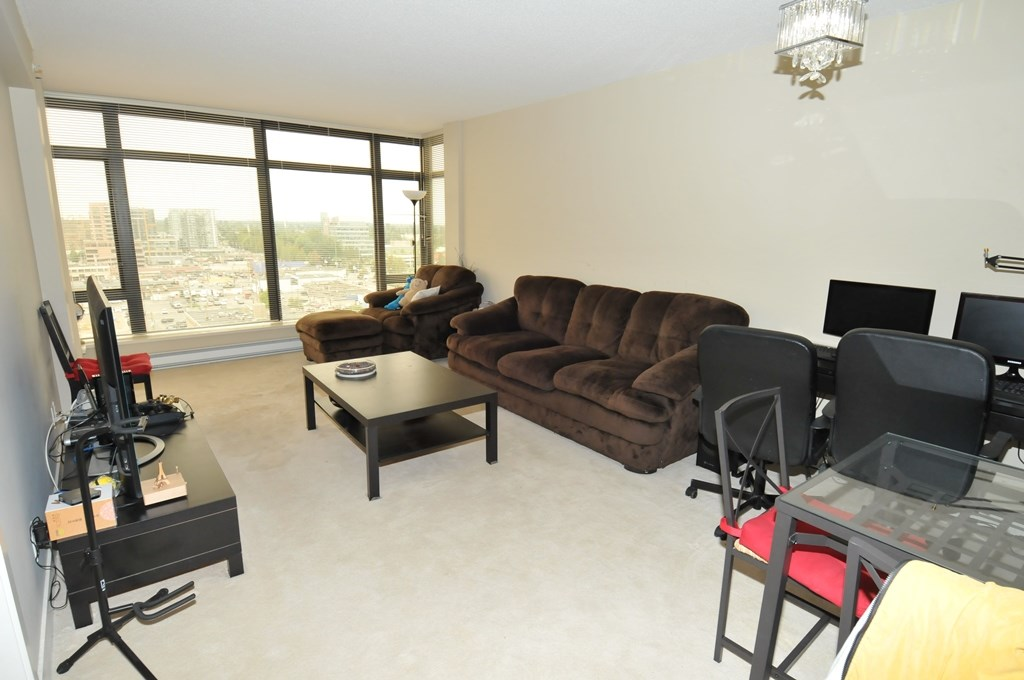 Condo Apartment at 1605 6351 BUSWELL STREET, Unit 1605, Richmond, British Columbia. Image 7
