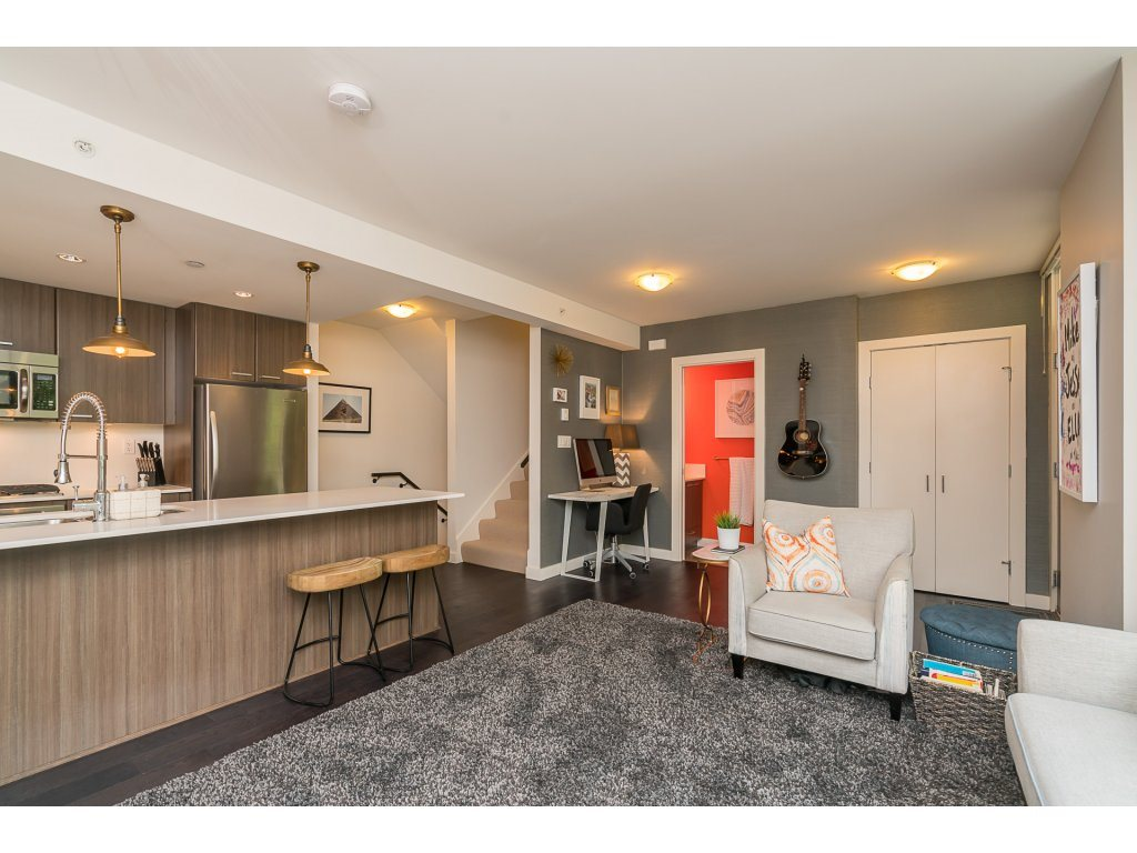 Townhouse at TH3 2789 SHAUGHNESSY STREET, Unit TH3, Port Coquitlam, British Columbia. Image 3