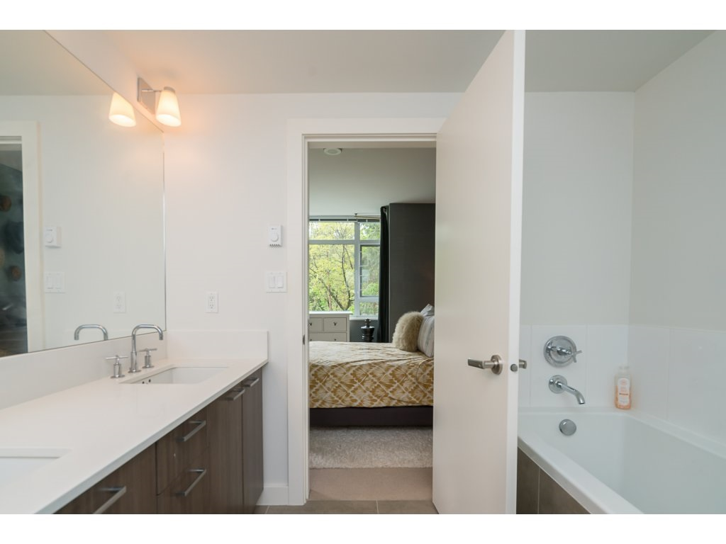 Townhouse at TH3 2789 SHAUGHNESSY STREET, Unit TH3, Port Coquitlam, British Columbia. Image 12