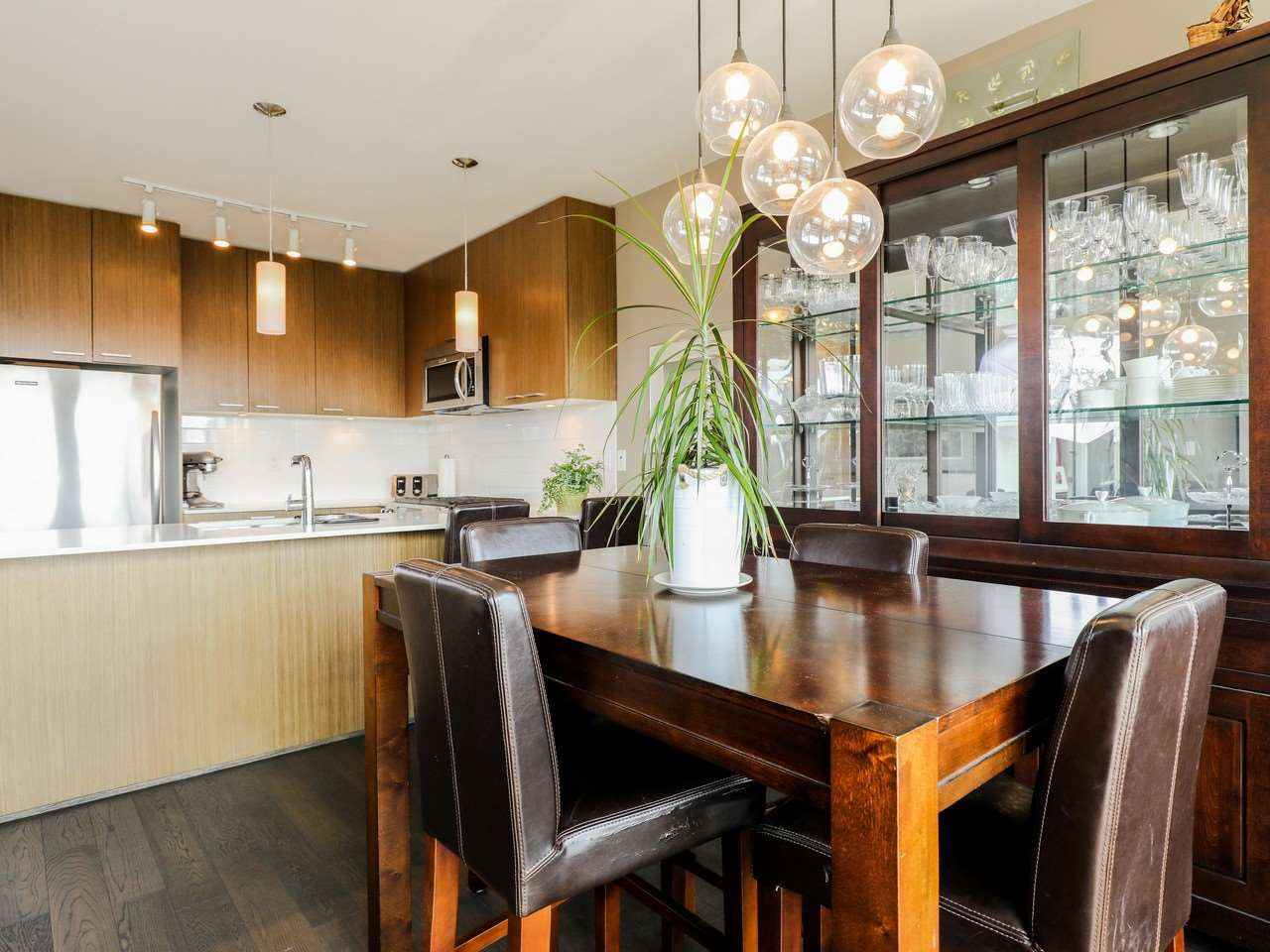 Condo Apartment at 415 1330 MARINE DRIVE, Unit 415, North Vancouver, British Columbia. Image 5