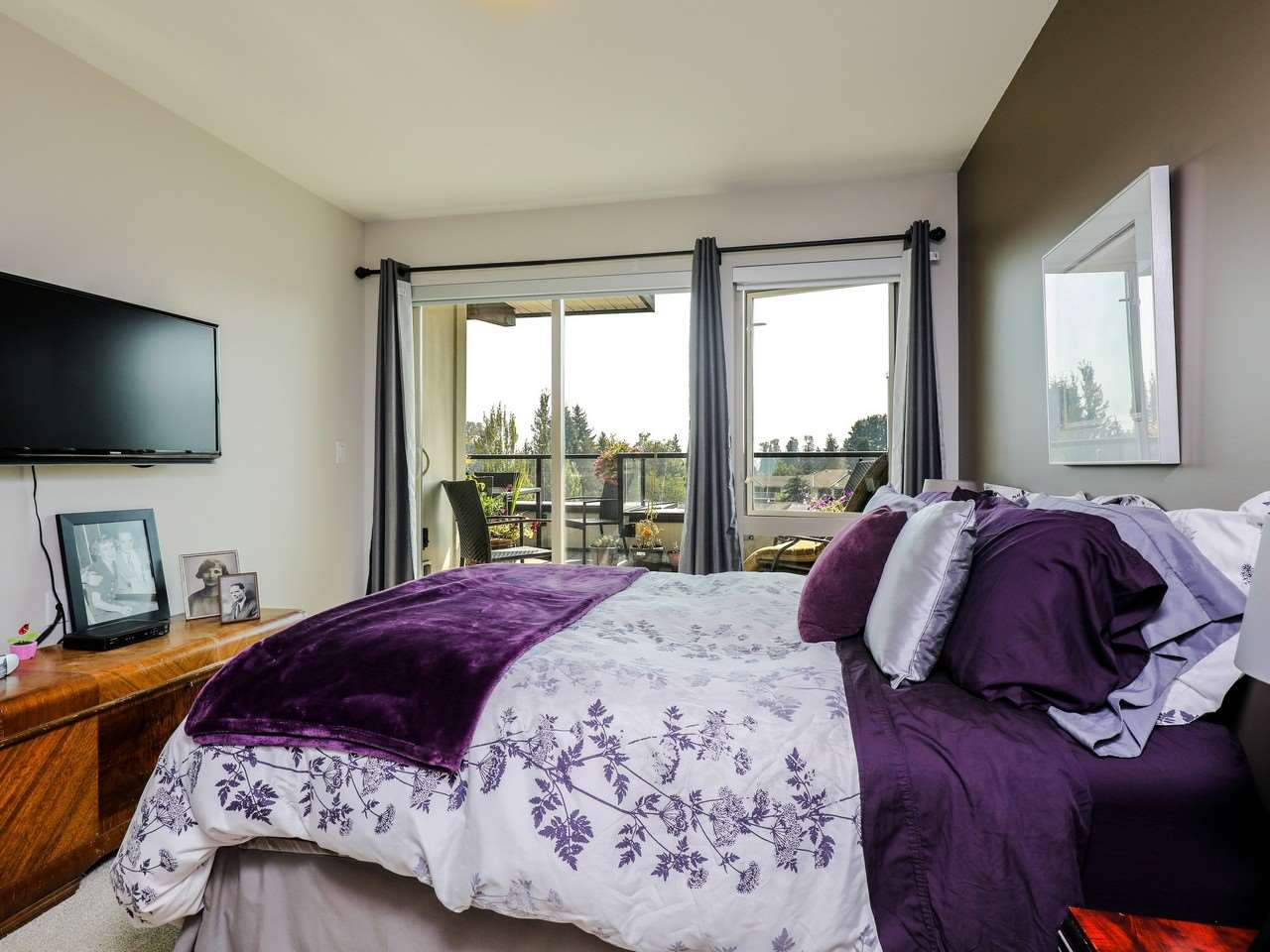 Condo Apartment at 415 1330 MARINE DRIVE, Unit 415, North Vancouver, British Columbia. Image 10