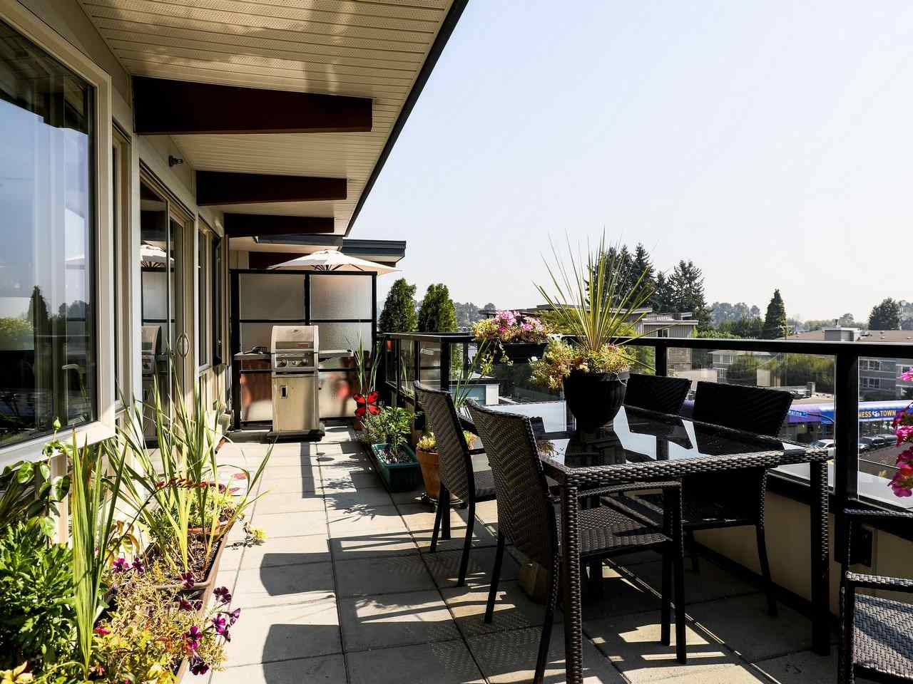 Condo Apartment at 415 1330 MARINE DRIVE, Unit 415, North Vancouver, British Columbia. Image 12