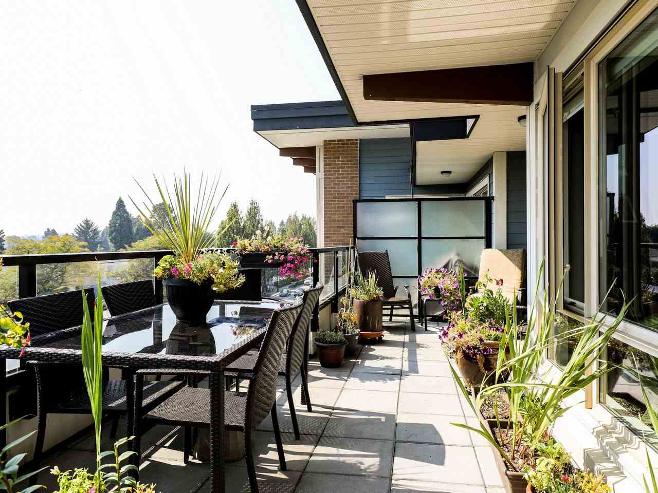 Condo Apartment at 415 1330 MARINE DRIVE, Unit 415, North Vancouver, British Columbia. Image 14