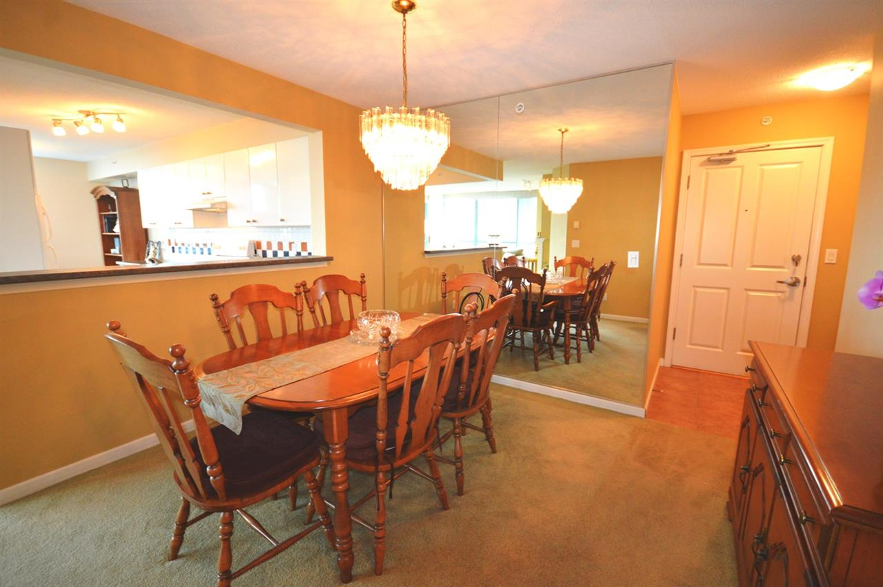 Condo Apartment at 1704 6611 SOUTHOAKS CRESCENT, Unit 1704, Burnaby South, British Columbia. Image 7