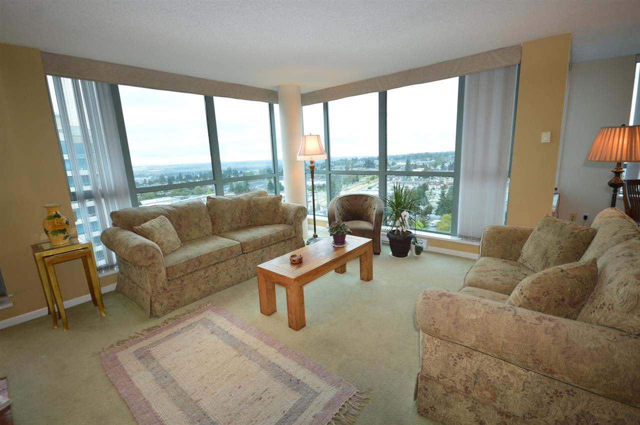 Condo Apartment at 1704 6611 SOUTHOAKS CRESCENT, Unit 1704, Burnaby South, British Columbia. Image 10