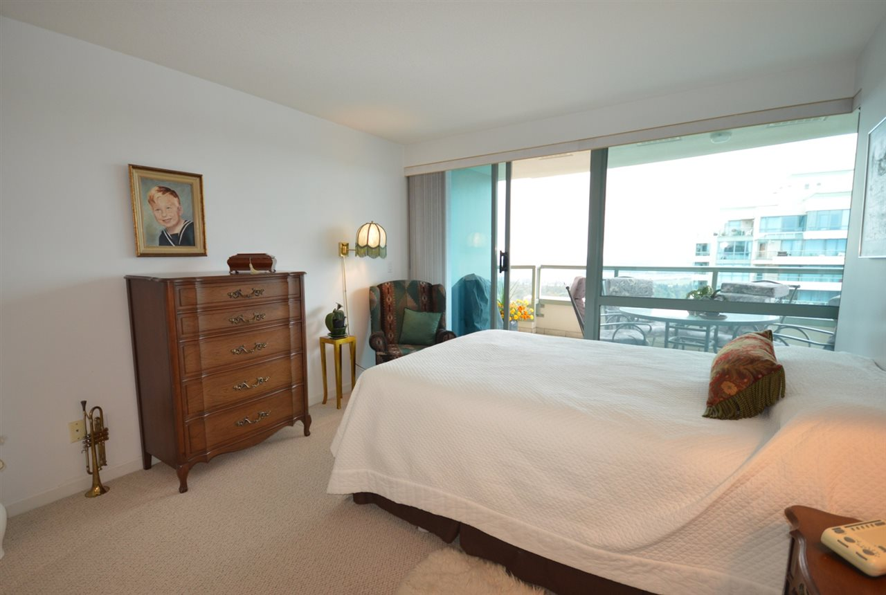 Condo Apartment at 1704 6611 SOUTHOAKS CRESCENT, Unit 1704, Burnaby South, British Columbia. Image 16
