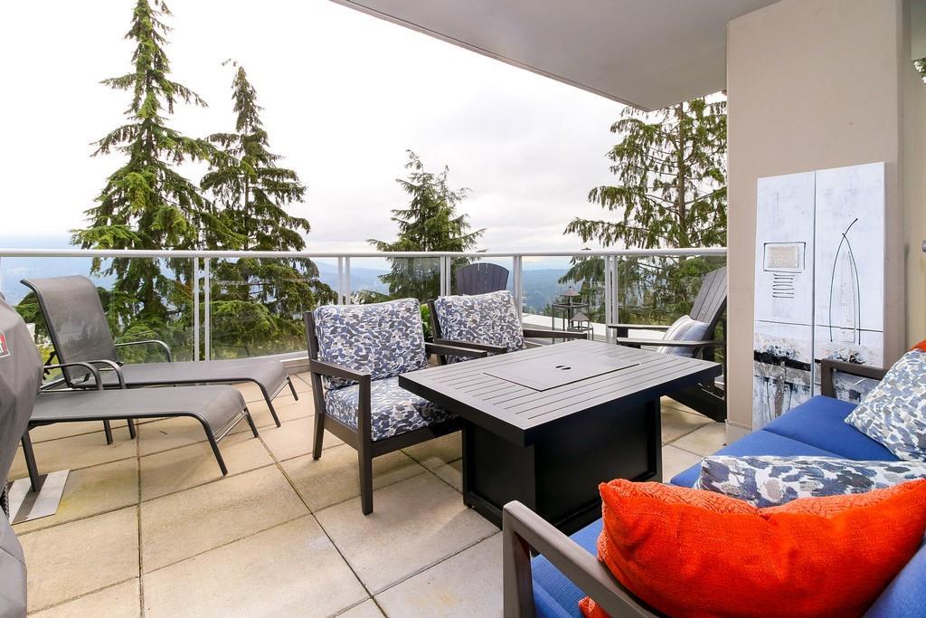 Condo Apartment at 809 9266 UNIVERSITY CRESCENT, Unit 809, Burnaby North, British Columbia. Image 9